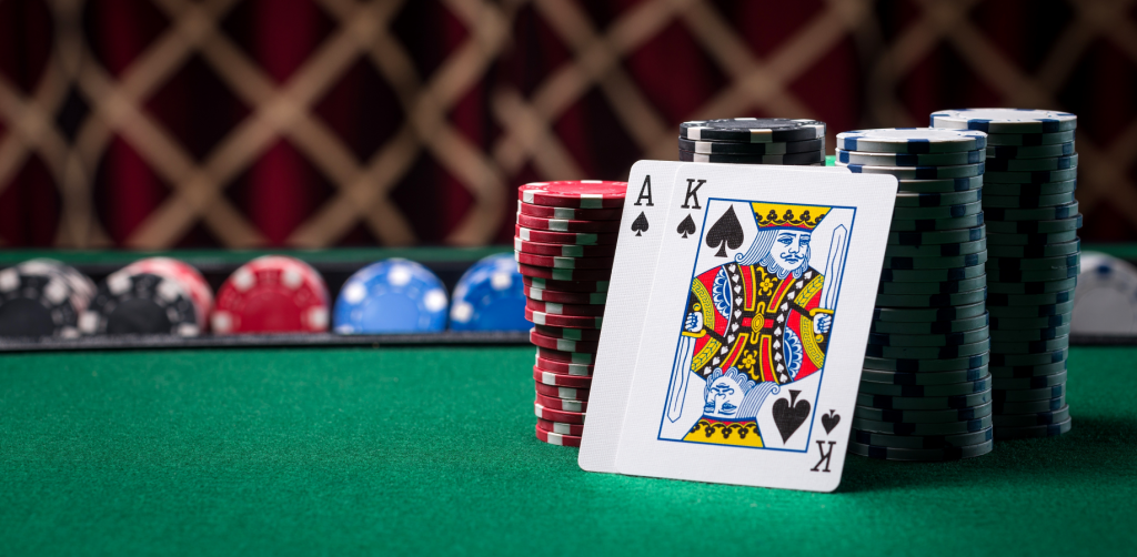What Are The Differences Between Online Gaming And Online Gambling?