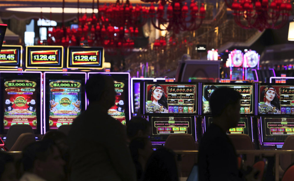 8 Information Everybody Should Learn about Gambling